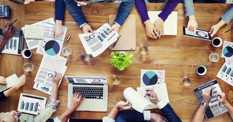 Кому доверить создание сайта, freelance или web-студия изображение поста